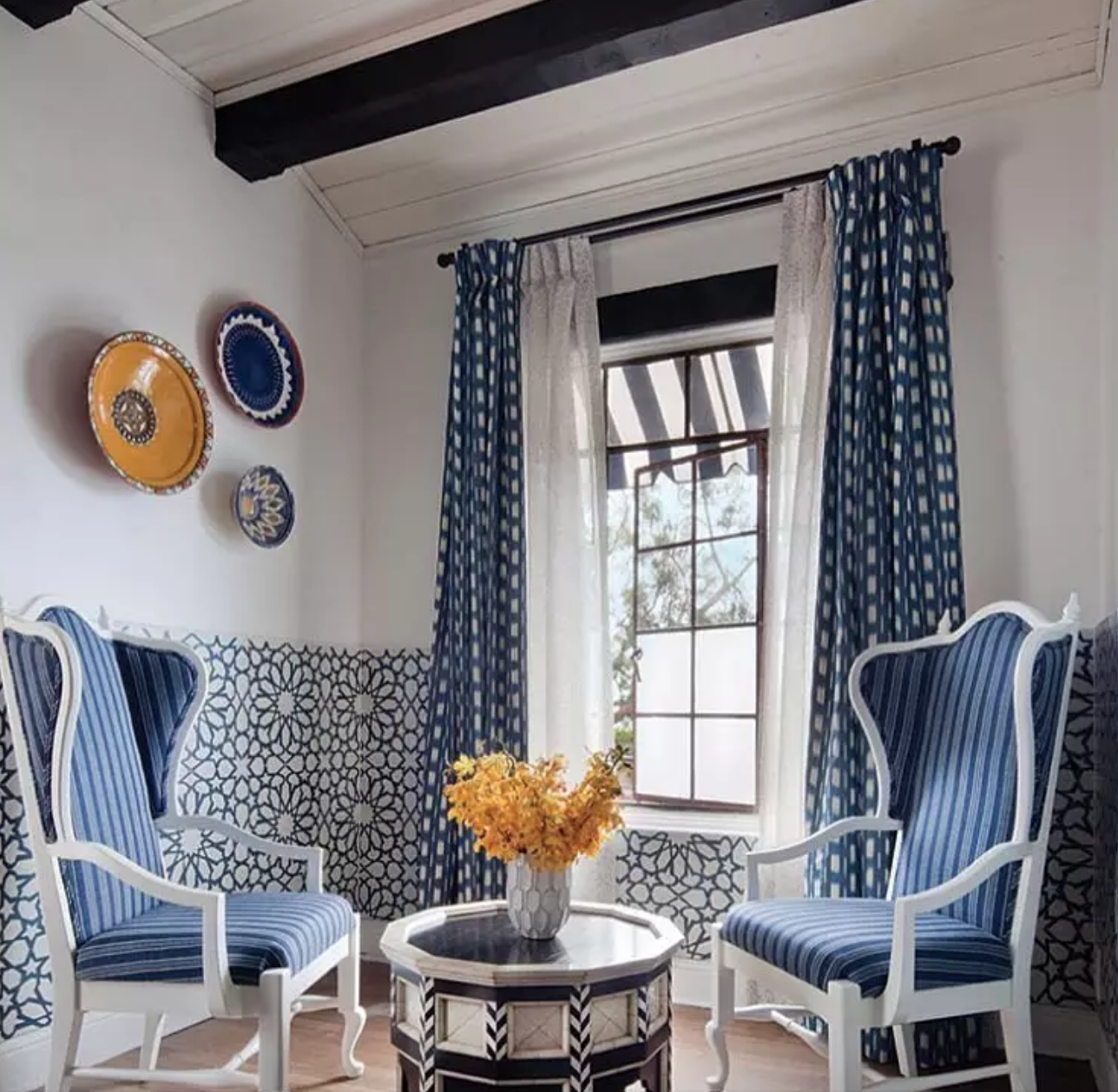 Floral blue and white wall tile