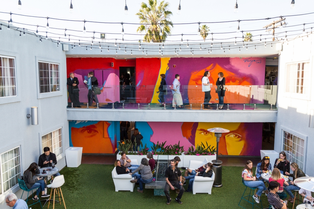 The Kinney Hotel stARTup Art Fair LA, 2018. Robert Vargas mural.