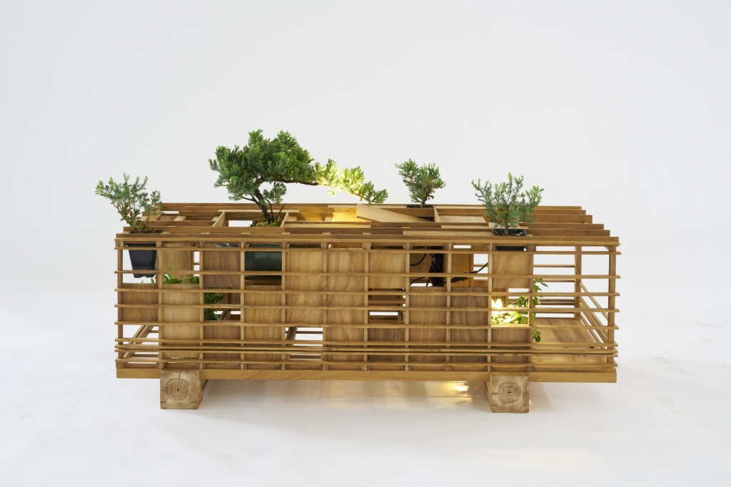 Box Cabin Bench by Plant-In City