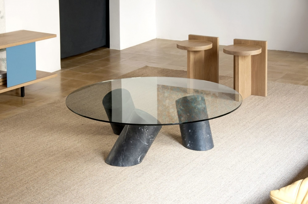 Carnac Table by GOFI
